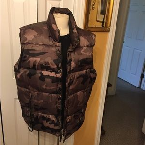 Old Navy down vest size XL green